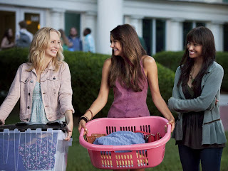 The Vampire Diaries 5ª Temporada - Elena, Caroline faculdade